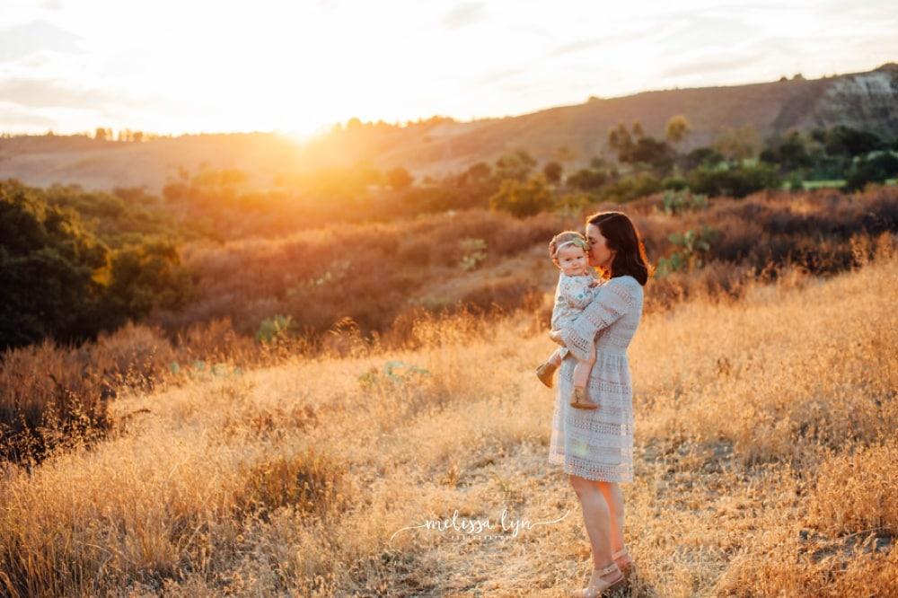 Family Photographer in Orange County, Orange County Family Photographer, Orange County Baby Photographer, mom and baby photo